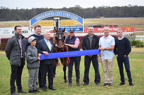 Nowra Digs Deep For Drought-Stricken Farmers - Racing New